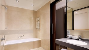 Bathroom Hotel ARA