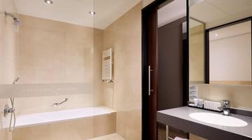 Luxe Badkamer Hotel : Hotelkamers van der valk hotel ara zwijndrecht a16 afslag 23