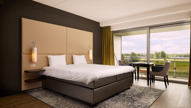 Rivier view room with kingsize bed Hotel ARA